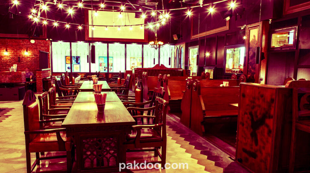 Best Pub for Travellers In Hauz Khas delhi- Hauz Khas Social Fort Lake