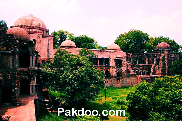 Historical fort lakes place to visit in delhi- hauz khas
