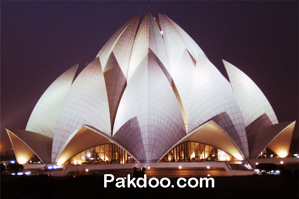 historical place for meditation in Delhi-Lotus Temple